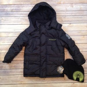 WeatherProof pocketed black puffer hooded coat